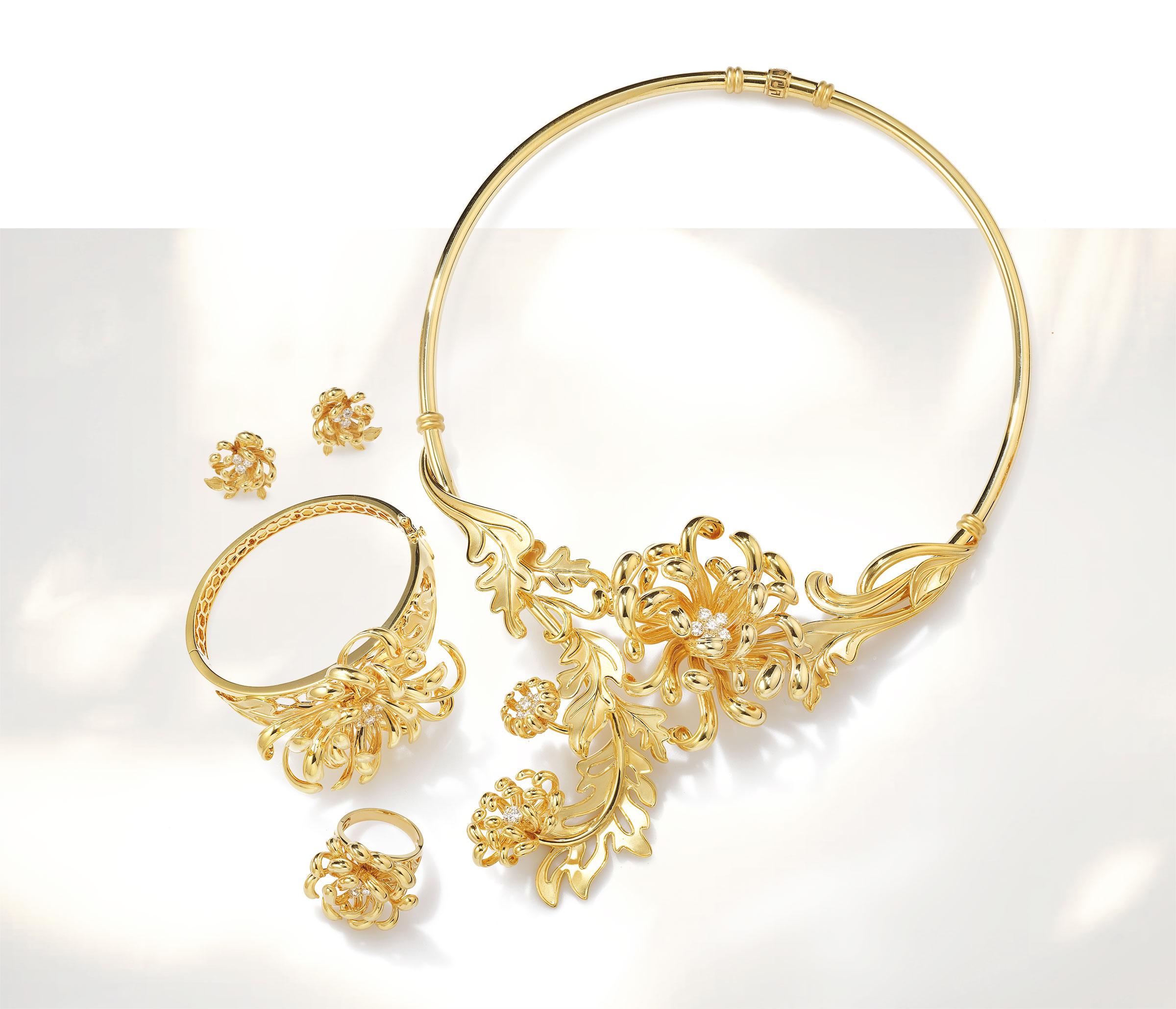 Bộ sưu tập Cúc Viên Mãn vàng 18K, đính kim cương